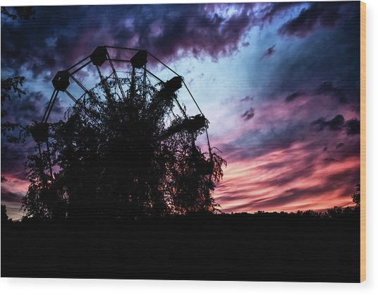 Ominous Abandoned Ferris Wheel Wood Print