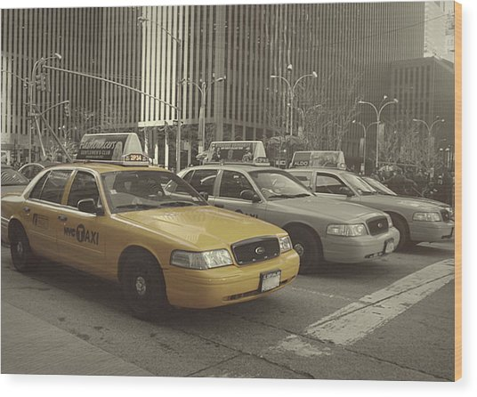 On 5th Avenue Wood Print by JAMART Photography