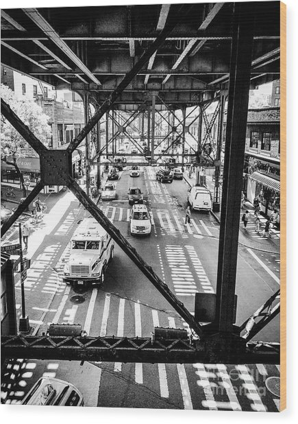 On The Go In Queens, Ny Wood Print by JMerrickMedia