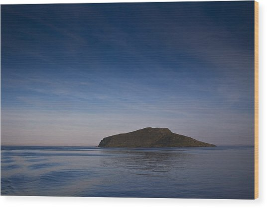 Outer Hebrides In Sunset Wood Print by Gabor Pozsgai