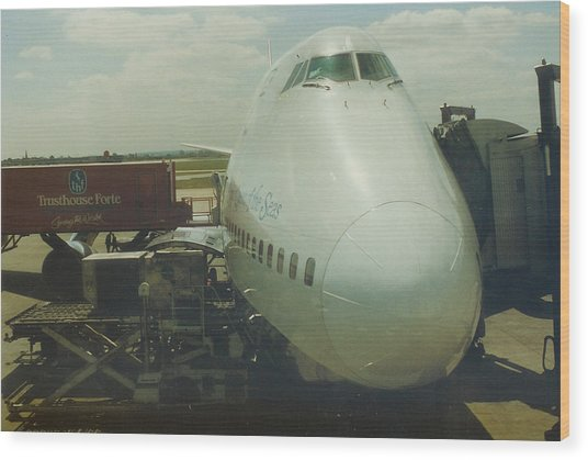Pan American 747 At London Heathrow Airport Wood Print