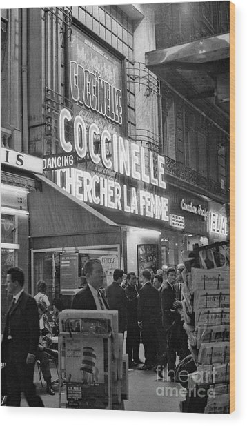 Paris By Night December 1976  The Front Of The Olympia Wood Print