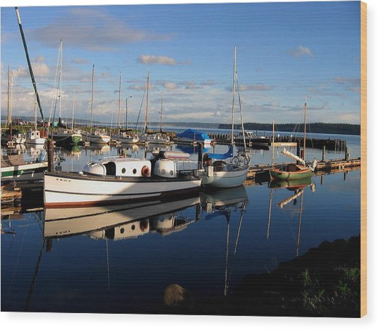 Peaceful Morning At The Harbor Wood Print