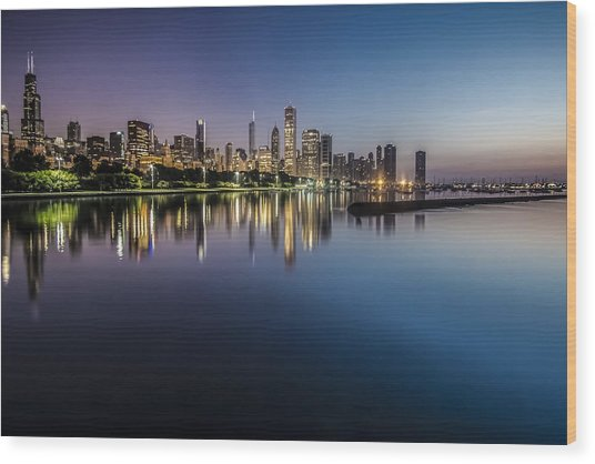 Peaceful Summer Dawn Scene On Chicago's Lakefront Wood Print