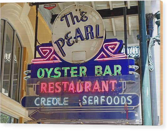 Pearl Oyster Bar Wood Print