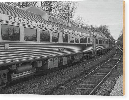 Pennsylvania Reading Seashore Lines Train Wood Print