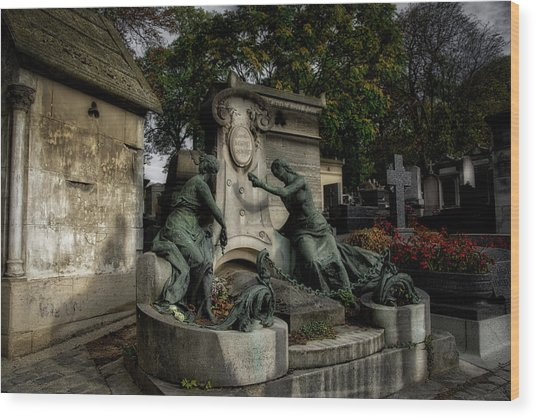 Pere Lachaise Tomb Wood Print