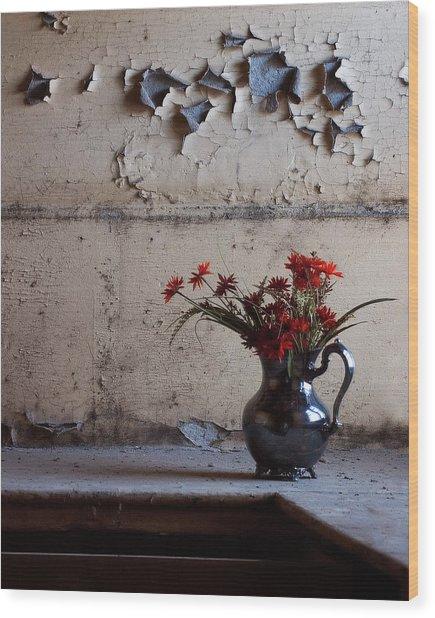Petals And Peeling Paint - Preston Castle Wood Print
