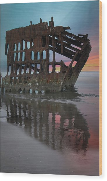 Peter Iredale Shipwreck At Sunrise Wood Print