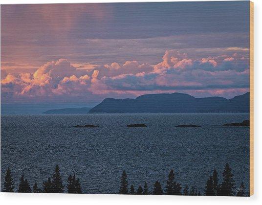 Pic Island Wood Print