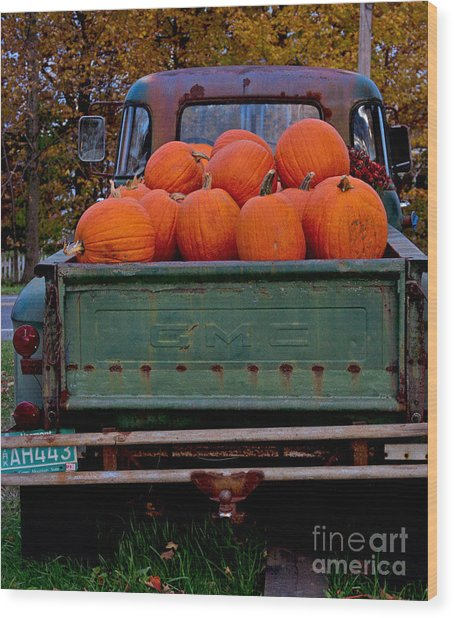 Pickup My Pumpkins Wood Print