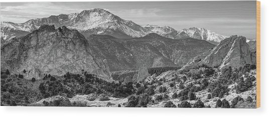 Pikes Peak Panorama - Garden Of The Gods - Colorado Springs - Black And White Wood Print