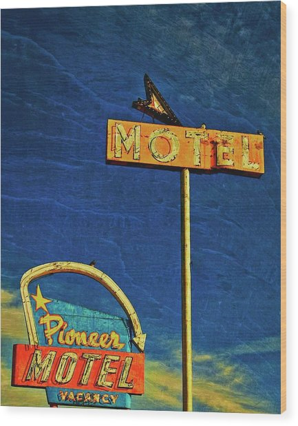 Pioneer Motel, Albuquerque, New Mexico Wood Print by Flying Z Photography by Zayne Diamond