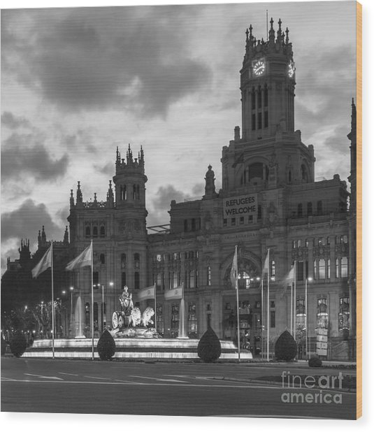 Plaza De Cibeles Fountain Madrid Spain Wood Print