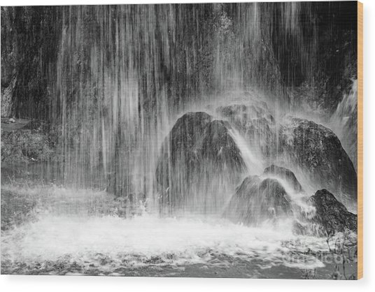 Plitvice Waterfall Black And White Closeup - Plitivice Lakes National Park, Croatia Wood Print