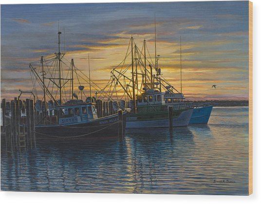 Point Judith Sunset Wood Print by Bruce Dumas
