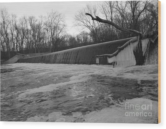 Falling Water On The Pompton Spillway In Winter Wood Print