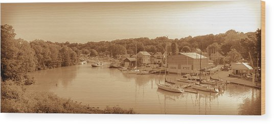 Port Stanley Waterway Wood Print