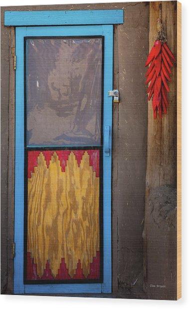 Puerta Con Chiles Wood Print
