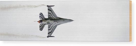 Raf Scampton 2017 - F-16 Fighting Falcon On White Wood Print