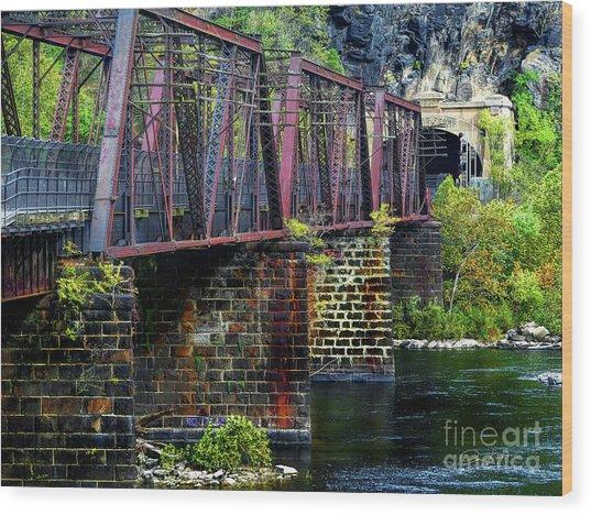 Rail Road Bridge Over The Potomac River At Harpers Ferry, Wv Wood Print