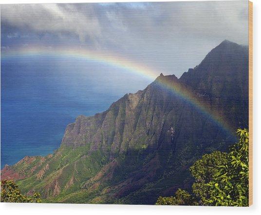 Rainbow Along The Na Pali Coast Kauai Hawaii From The Kalalau Lookout Wood Print