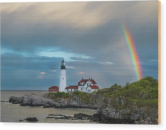 Rainbow Over Portland Head Light Wood Print