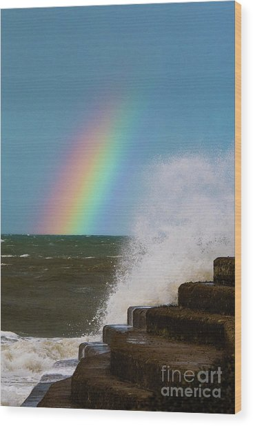 Rainbow Over The Crashing Waves Wood Print