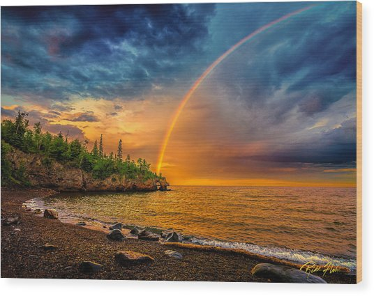 Rainbow Point Wood Print
