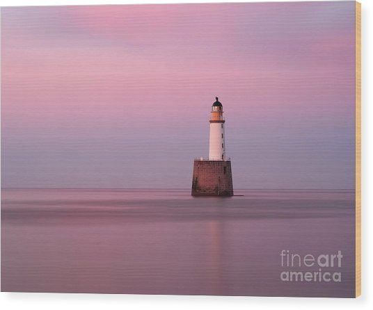 Rattray Head Lighthouse At Sunset - Pink Sunset Wood Print