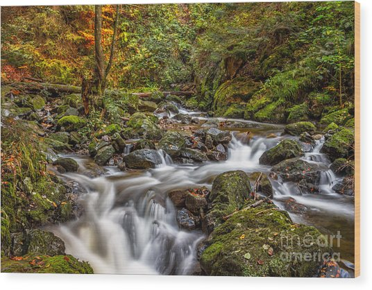 Cascades And Waterfalls Wood Print