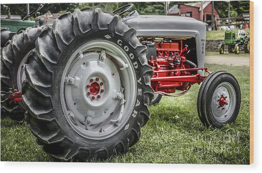 Red And White Ford Model 600 Tractor Wood Print