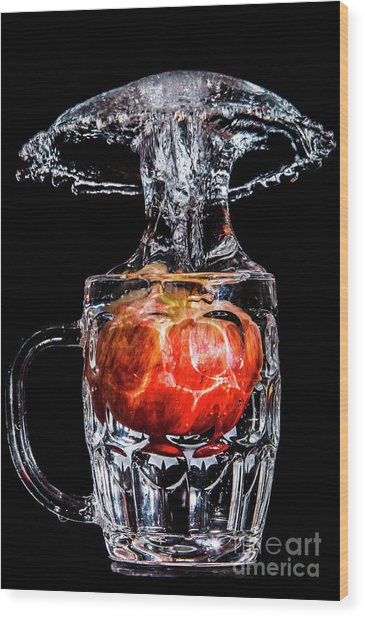 Wood Print featuring the photograph Red Apple Splash by Ray Shiu