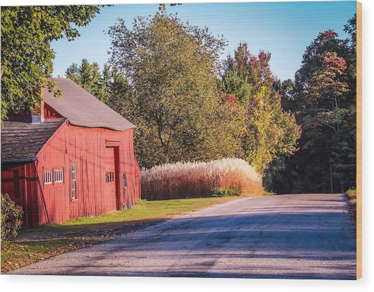 Red Barn In The Country Wood Print