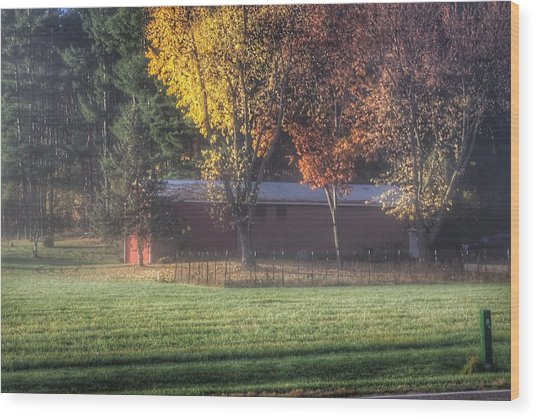 0041 - Red Barn On A Foggy Fall Morning Wood Print