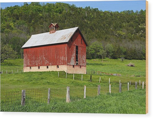 Red Barn With Cupola Wood Print