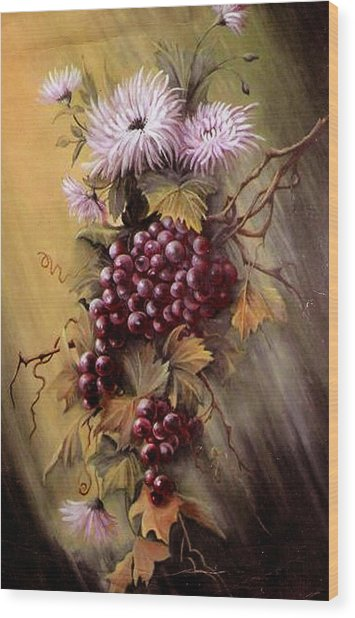 Red Grapes And Flowers Wood Print