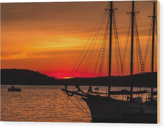 Red Maine Sunrise Wood Print