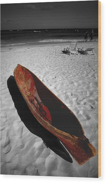 Red Paddle Boat Playa Del Carmen Wood Print by Tom Fant