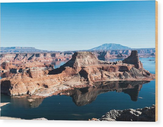 Red Rocks Drifting In Lake Powell Wood Print