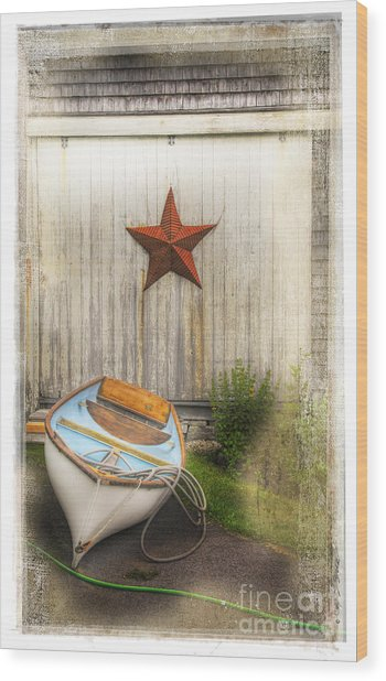 Red Star Boat Wood Print