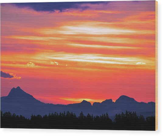 Red Sunrise Wood Print