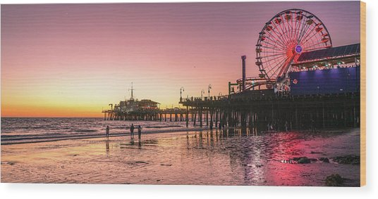 Red Sunset In Santa Monica Wood Print
