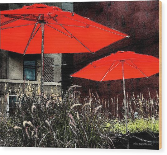 Red Umbrellas In Chicag Wood Print
