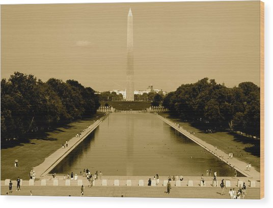 Reflecting Pool Of The Washington Monument Wood Print by Aimee Galicia Torres