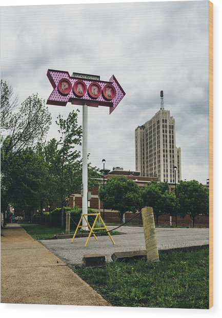 Retro Parking Sign In St. Louis, Mo Wood Print by Dylan Murphy