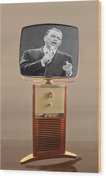Retro Sinatra On Tv Wood Print