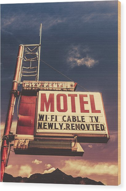 Retro Vintage Motel Sign Wood Print