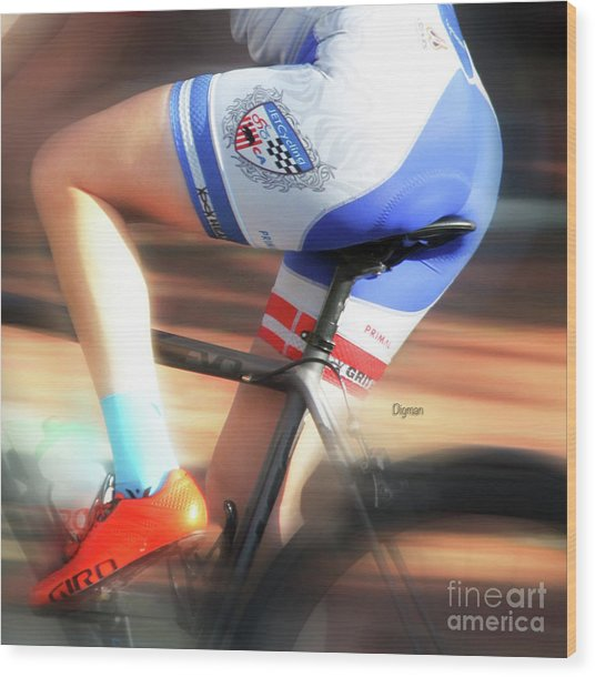 Riding The Bottom Clutch  Wood Print by Steven Digman