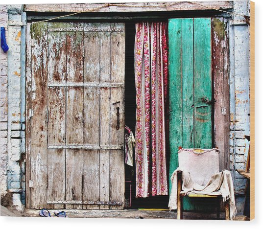 Rishikesh Door Wood Print by Derek Selander